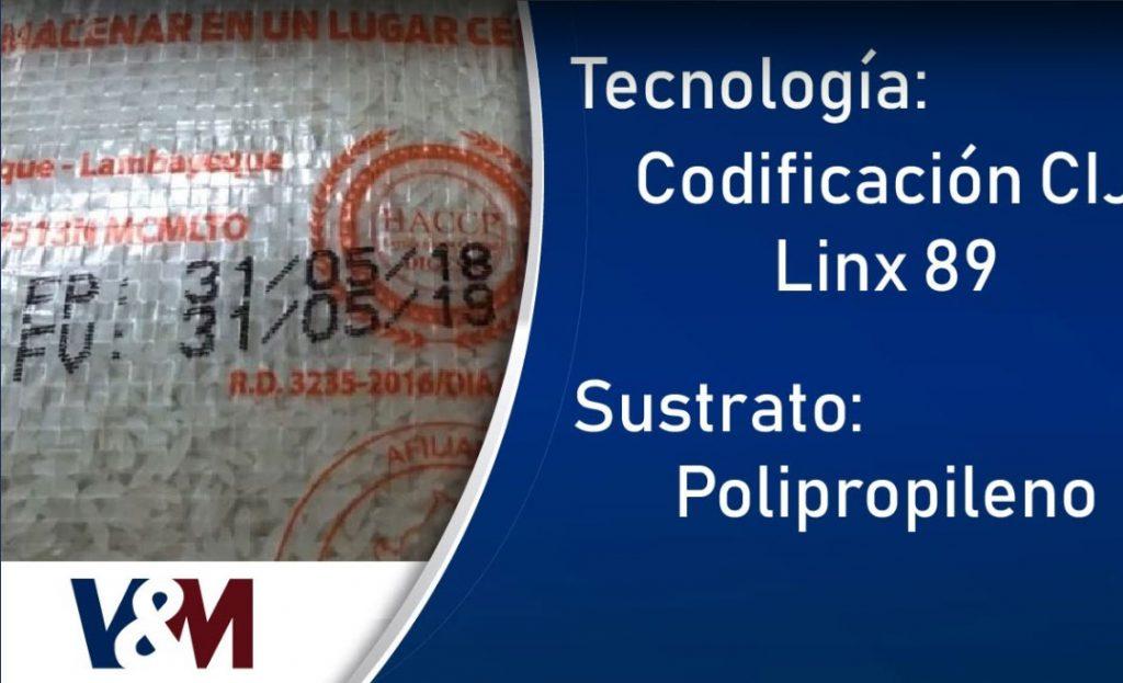 Codificación CIJ Linx 8900 en sacos de polipropileno de arroz