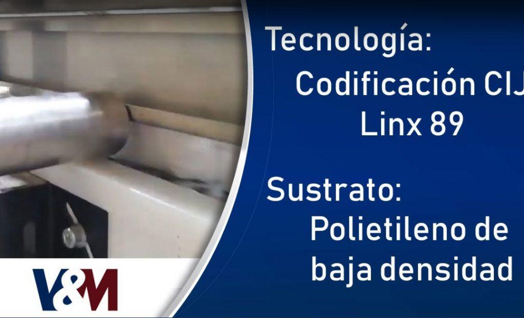 Codificación Linx CIJ 8920 en empaques de polietileno de baja densidad (LDPE) para papel absorbente